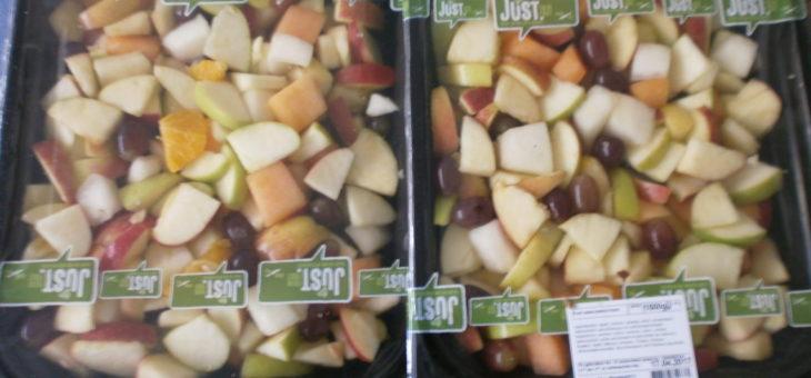 veel bakken met fruitsalade