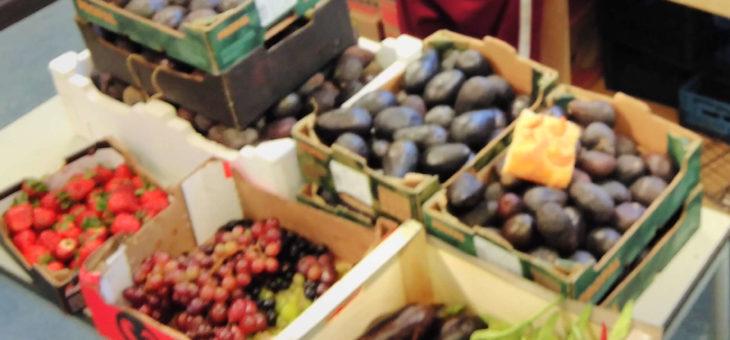 Aubergines, spinazie, asperges, rode bieten